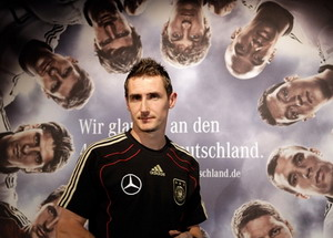 Deutschland 2010 World Cup Germany Football Team Miroslav Klose uber alles